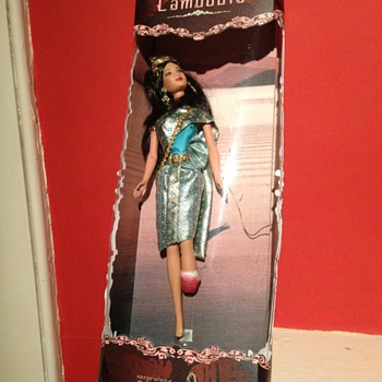 A really Unusual doll Cambodian Princess with leg missing ??