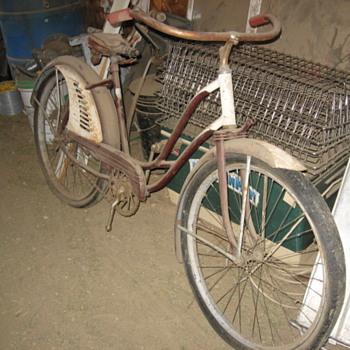 My Dusty Old Barn Bike---What is it?? - Sporting Goods