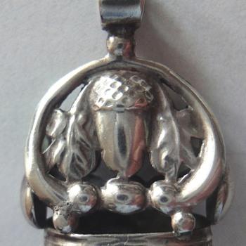 Victorian Antique Silver Acorn Cachet