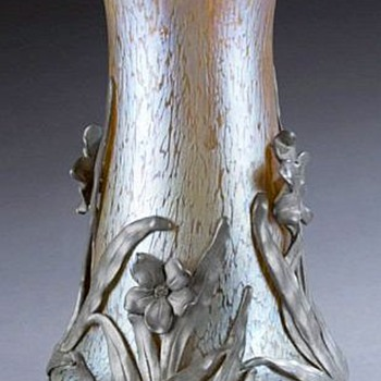 Loetz, Kralik or Nothing, Vase With Pewter Flowers - Art Glass