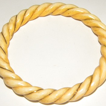 Vintage Retro Carved  Ivory  Rope 14k Bangle Bracelet $2.00