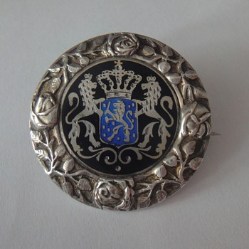 Vintage 800 sterling enameled round silver brooch pin - Victorian Era