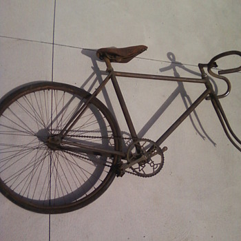 What bike is this??? Contacted a bike museum and they aren't sure!