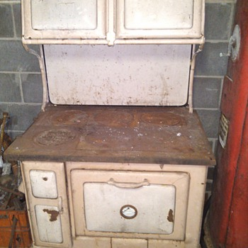 ANTIQUE OVEN - Kitchen