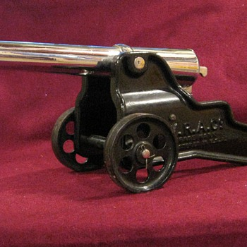 Vintage Winchester Signal Cannon - Military and Wartime