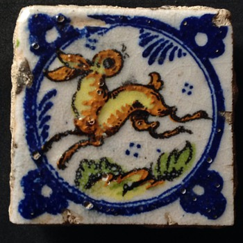 Small polychrome (Spanish Valencian, mid 18 century?) tile. - Art Pottery