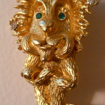 Mr Lion Brooch - Costume Jewelry