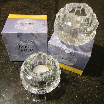 Igloo for the Winter - Art Glass