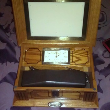 Crosley Clock & Phone HELP need info on it please  - Clocks