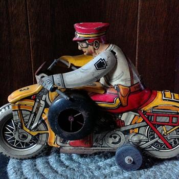 tin toys - Toys