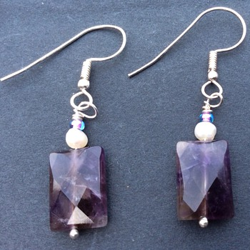 Amethyst and pearl earrings - Costume Jewelry