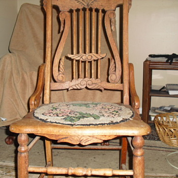 Neat old chair - Furniture