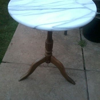 A table I have no information about?! - Furniture