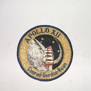 Apollo 12, 2nd moon shot patch - Military and Wartime