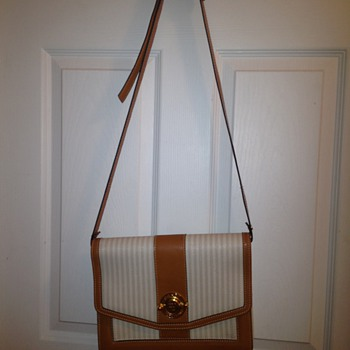 Vintage Fendi crossover shoulder bag
