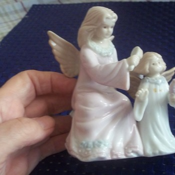 An Angel Dresses The Hair Of A  Little Girl Angel.  Fell In Love With It At Goodwill Today.