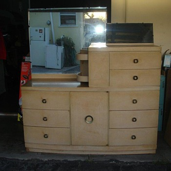 Modern? Dresser/Vanity - Furniture