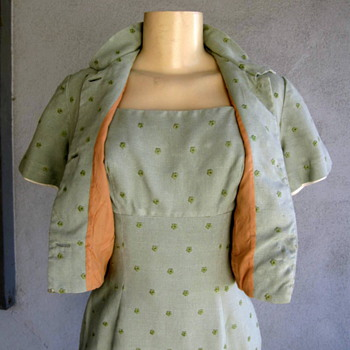 A Vintage Linen 2 pc Dress w/ Bolo