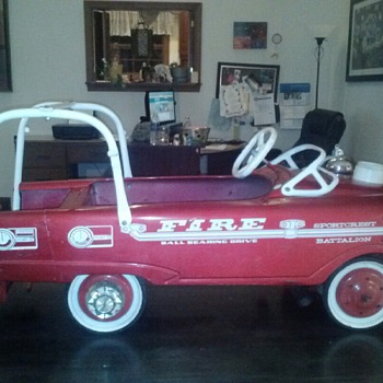 Vintage Murray Super Deluxe Fire Engine - Model Cars