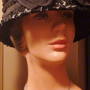 """Flower-Pot"" Hat 1960s? - Womens Clothing"