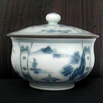 Asian porcelain covered jar