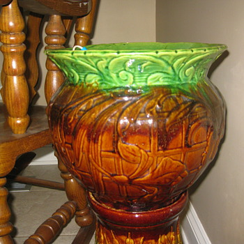 who made this jardiniere? - Art Pottery