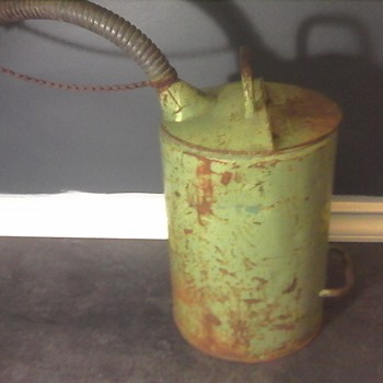 Shell 120 Oil Can