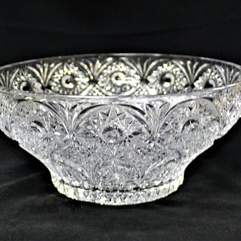Imperial? Hobstar & Arches 10 Inch Bowl