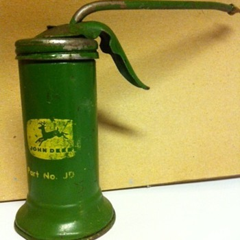 John Deer Oil Can - Petroliana
