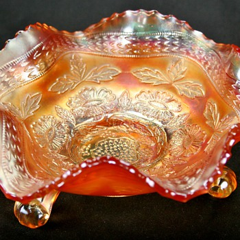 Vintage Fenton Carnival Glass Bowl - Glassware