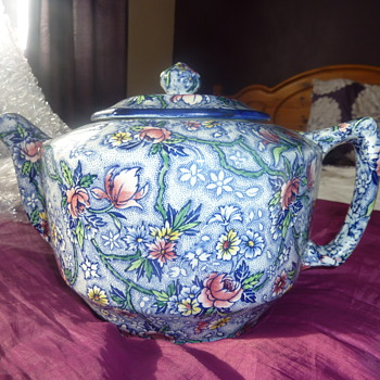 large rington teapot - Art Pottery