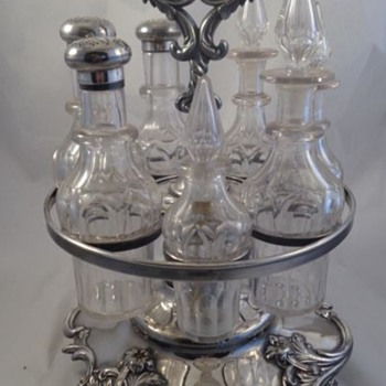 English Cruet Set Sterling Tops 1900
