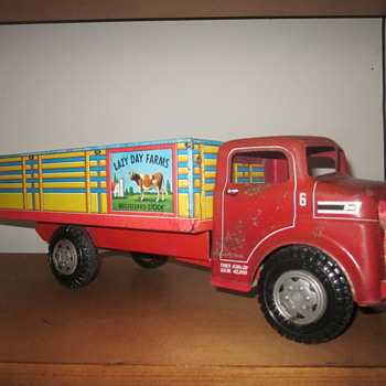 Marx Tin-Litho Lazy Day Farms Truck