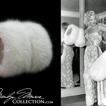Marilyn Monroe&#039;s Personal White Fox Fur Muff - Womens Clothing