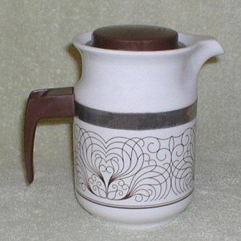 Porcelain Coffee Pot - Brasil