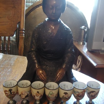 Kutani sake cups of 7 Lucky Gods and bronze Geisha