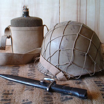 Israeli Defense Forces Six Day War helmet with net - Military and Wartime