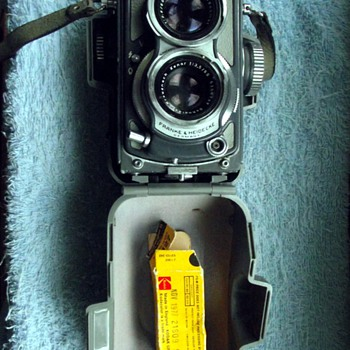 1962-cameras-rolleiflex grey 'baby' 127 film , 4*4, tlr.