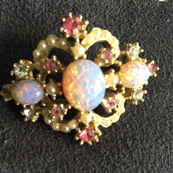 Unmarked lab created fire opal brooch pin