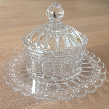 "Saint-Louis butter dish ""Laurier"""