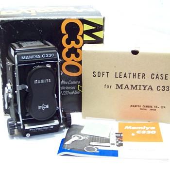 NEVER USED MAMIYA C330 - Cameras