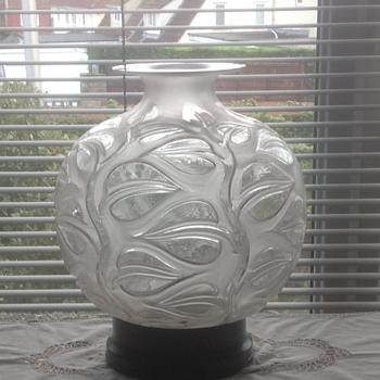 """R Lalique """"Sophora"""" vase"""
