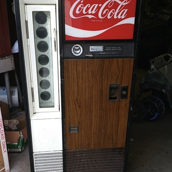 Vendo H63 Coke Bottle machine
