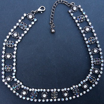 Antique or vintage necklace? - Costume Jewelry