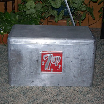 1950's Aluminum 7up Cooler by Cronstoms - Advertising