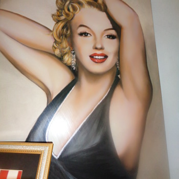 Huge Marilyn Monroe photo