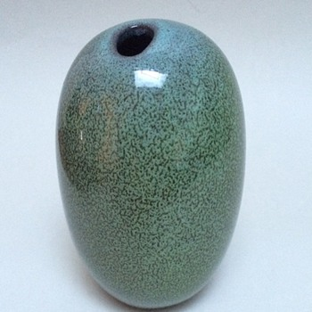 Vase in wonderfull glaze. Unknown signature - Art Pottery