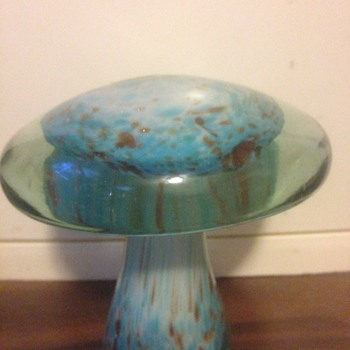 Murano Mushroom Paper Weight - Beautiful - Art Glass