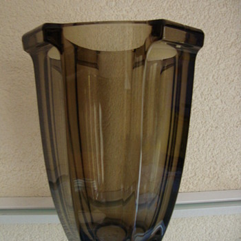 smokey glass vase 20s