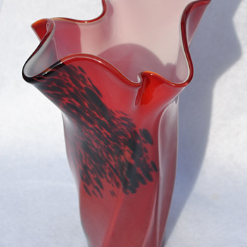 Tall handkerchief vase - identity? - Art Glass